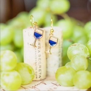 3/$10 NWT Boutique Wine Glass Earrings
